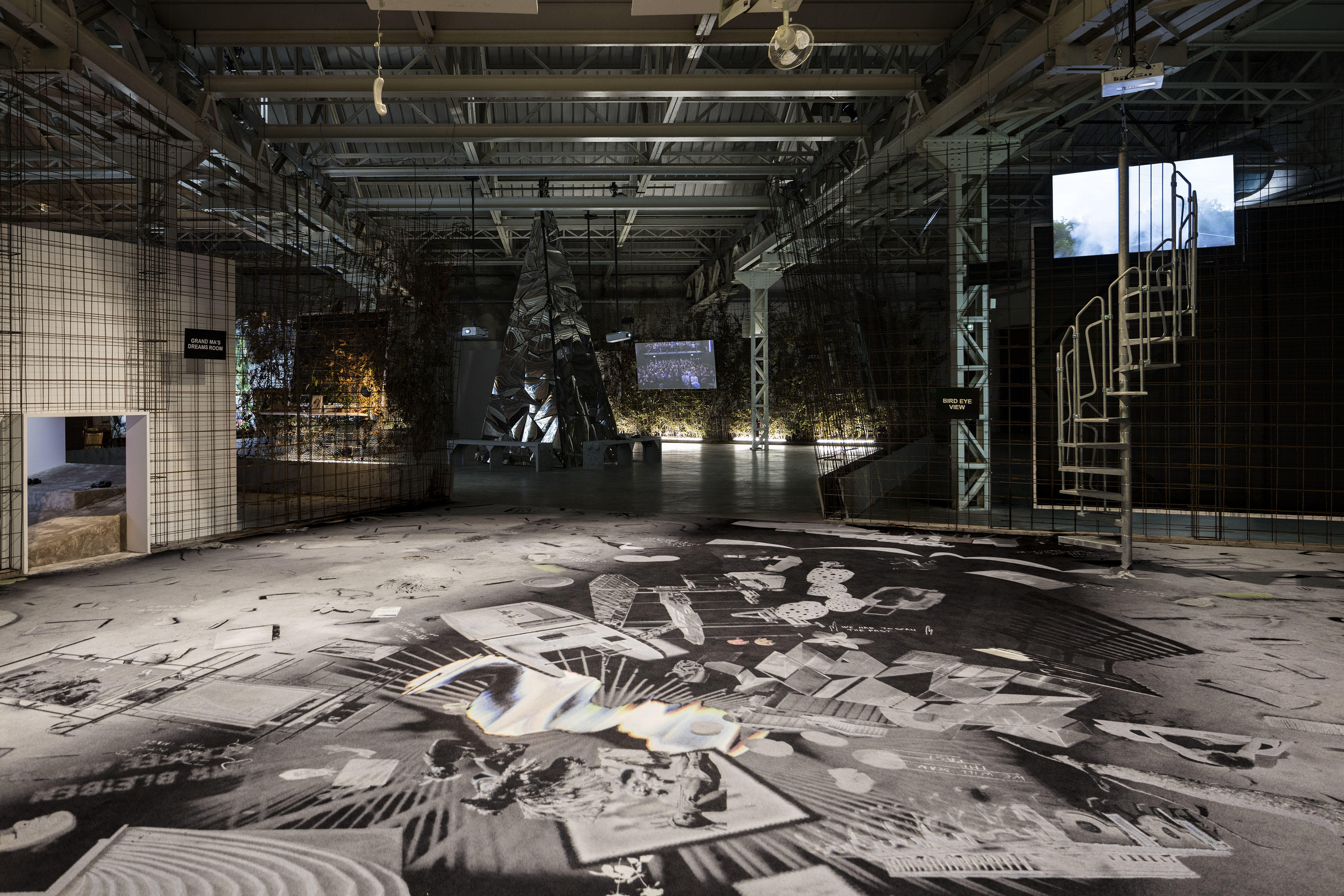GDM – Grand Dad's Visitor Center, de Laure Prouvost